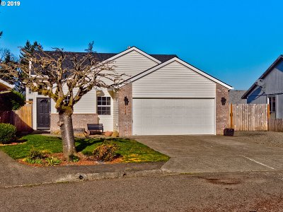Canby Single Family Home For Sale: 1321 S Birch Ct