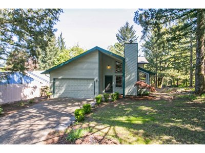 Oregon City Single Family Home For Sale: 18044 Peter Skene Way