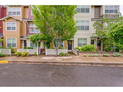 Portland Condo/Townhouse For Sale: 12105 SE High Creek Rd