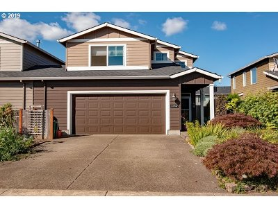 Single Family Home For Sale: 33947 SE Rolling Hills Dr