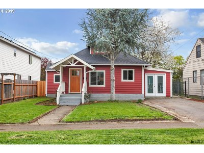 Single Family Home For Sale: 8320 NE Holladay St