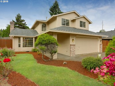 Milwaukie Single Family Home For Sale: 7530 SE Brigid Pl