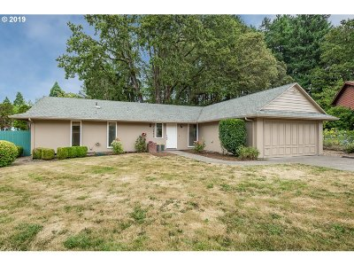Beaverton Single Family Home For Sale: 13855 SW Barlow Pl