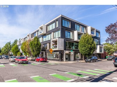 Condo/Townhouse For Sale: 28 SE 28th Ave #208