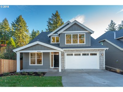 Portland Single Family Home For Sale: 9590 SW Taylor St