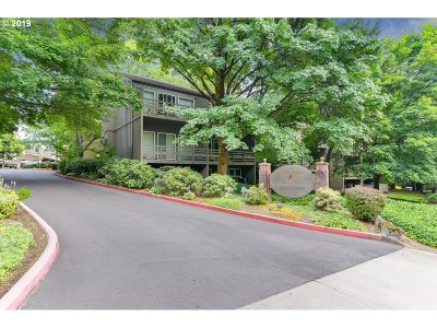 Lake Oswego Condo/Townhouse For Sale: 4 Touchstone #62