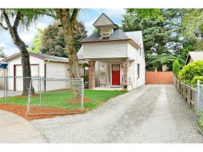 Gresham Single Family Home For Sale: 1265 NW Victoria Ave