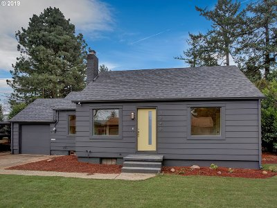 Portland Single Family Home For Sale: 1346 NE 109th Ave