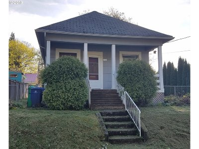 Multnomah County Single Family Home For Sale: 9746 N Smith St