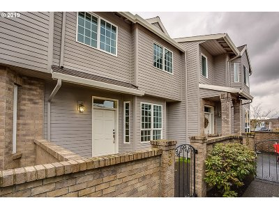 Clackamas County Single Family Home For Sale: 8230 SW Maxine Ln #53