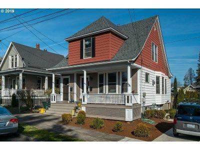 Multnomah County Multi Family Home Pending: 1227 SE Rhone St