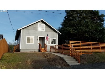 Coos Bay Single Family Home For Sale: 63765 Center Rd