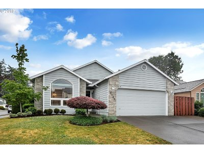 Troutdale Single Family Home For Sale: 2583 SW Howell Ave