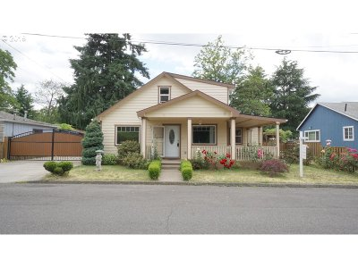 Portland Single Family Home For Sale: 10320 SE Mitchell St