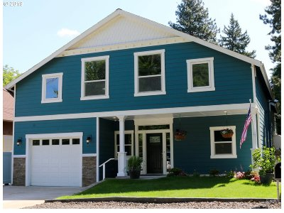 Portland Multi Family Home For Sale: 9328 SW 30th Ave