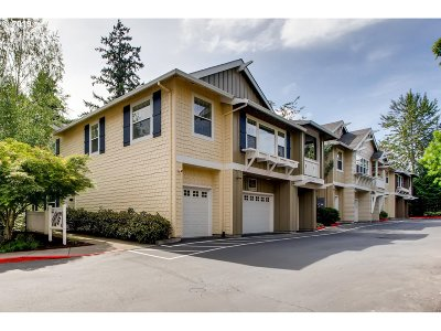 Portland Condo/Townhouse For Sale: 8349 SW 24th Ave #8