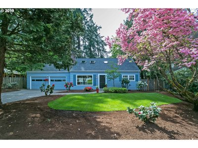 Lake Oswego Single Family Home For Sale: 17761 Deemar Way