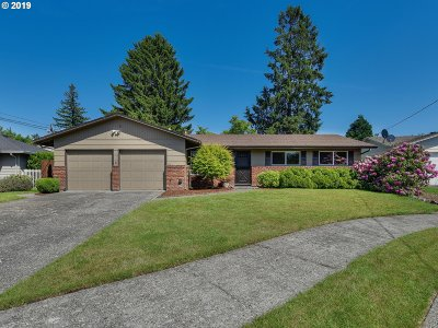 Multnomah County Single Family Home For Sale: 550 NW Bella Vista Dr