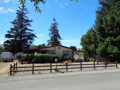 Bandon Single Family Home For Sale: 1070 June Ave