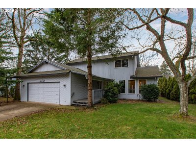 Clackamas County Single Family Home For Sale: 7190 Ridgegate Dr