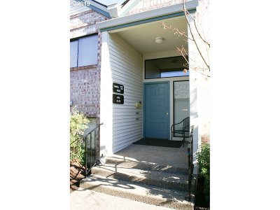 Condo/Townhouse Pending: 16354 SW 130th Ter #77