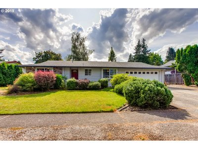 Troutdale Single Family Home For Sale: 936 SE Sweetbriar Ln