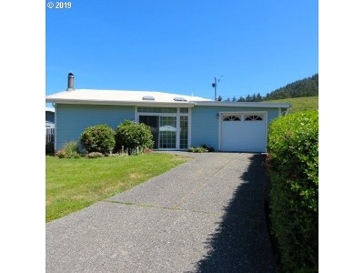Gold Beach OR Single Family Home For Sale: $255,000