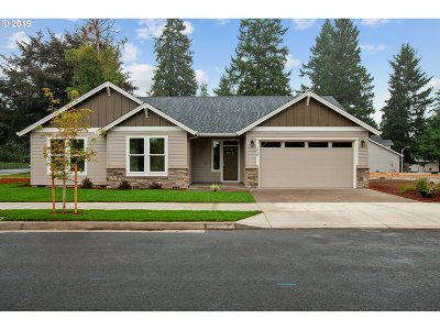 Wilsonville, Canby, Aurora Single Family Home For Sale: 1870 N Oak St
