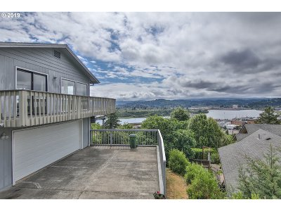 Coos Bay Single Family Home For Sale: 744 Telegraph Dr