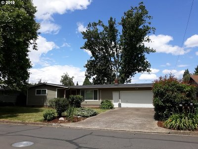 Eugene Single Family Home For Sale: 851 Armstrong Ave