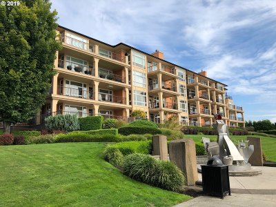 Vancouver Condo/Townhouse For Sale: 2015 SE Columbia River Dr #430