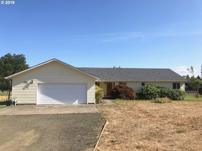 Roseburg Single Family Home For Sale: 252 Lupine Ln