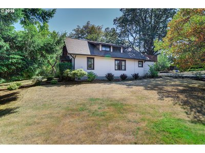 Salem Single Family Home For Sale: 1095 NW Cascade Dr