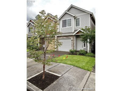 Gresham Single Family Home For Sale: 2506 NW 1st Dr