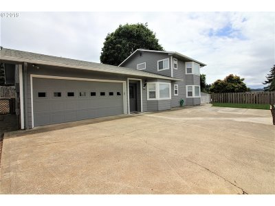 Coos Bay Single Family Home For Sale: 420 5th Ave