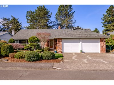 Single Family Home For Sale: 957 SE Munkers Ct