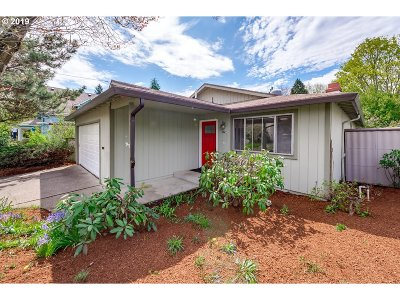 Single Family Home For Sale: 5227 SE 44th Ave