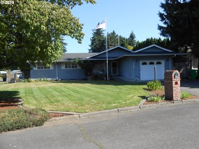 Gresham Single Family Home For Sale: 18505 SE Clinton St