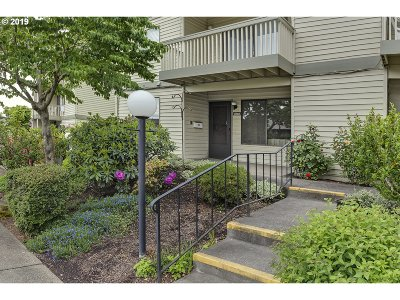 Sherwood, King City Condo/Townhouse For Sale: 12055 SW Imperial Ave