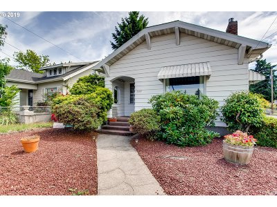 Portland Single Family Home For Sale: 5630 SE 52nd Ave