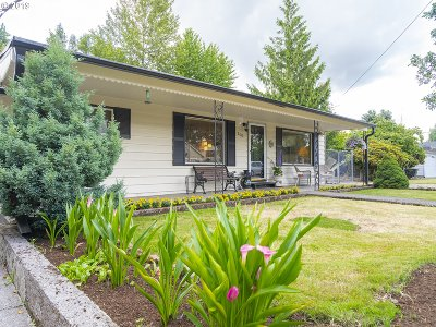 Fairview Single Family Home For Sale: 200 Creekside Ter