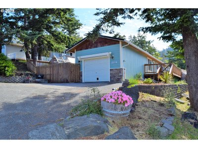 Gold Beach Single Family Home For Sale: 29785 Turner St