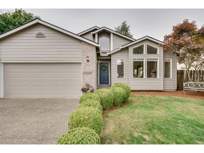 Clackamas Single Family Home For Sale: 15104 SE Pinegrove Loop