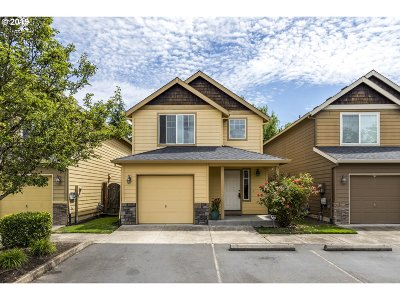 Newberg Condo/Townhouse For Sale: 925 S River St #14