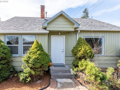 Portland Single Family Home For Sale: 4509 SE 128th Ave