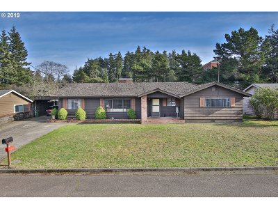 Coos Bay Single Family Home For Sale: 2470 N 19th
