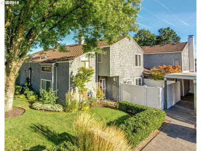 Portland Condo/Townhouse For Sale: 604 N Hayden Bay Dr