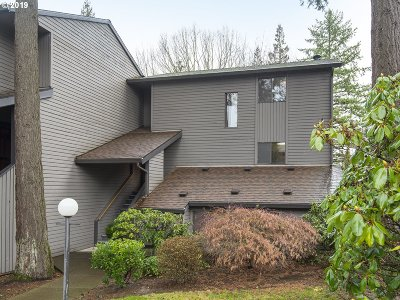 Tigard Condo/Townhouse For Sale: 8937 SW Fairview Pl
