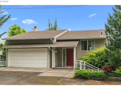Portland Single Family Home For Sale: 7450 SW 17th Dr