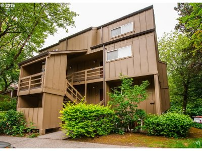 Lake Oswego Condo/Townhouse For Sale: 4 Touchstone #143